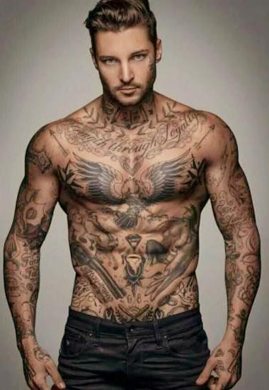 Athlète tatoué